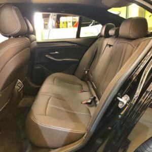 Dãy ghế hành khách phía sau VinFast Lux A2.0 rộng rãi và trang bị nhiều tiện nghi