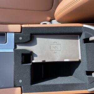 Sạc Pin không dây tiện lợi trên ô tô VinFast Lux A 2.0