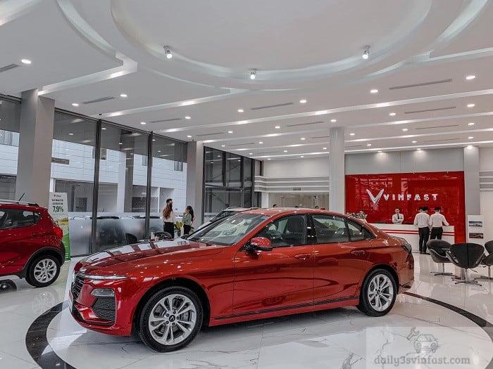 VinFast Lux A màu đỏ