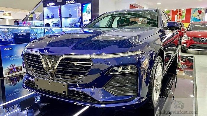 VinFast Lux A màu xanh