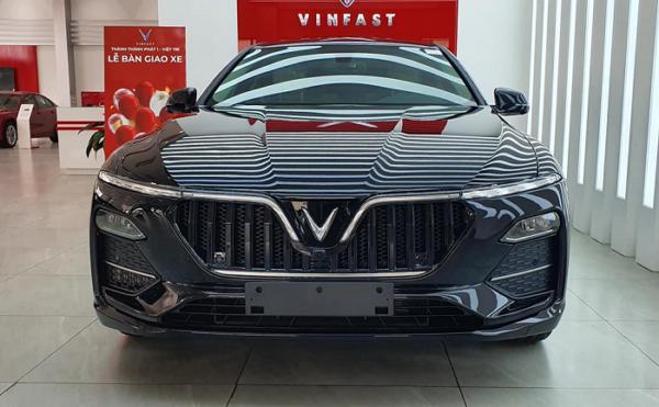 Mẫu xe VinFast Lux A2.0 5 chỗ hạng E mới nhất 2021