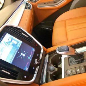 Hộp số ZF 8 cấp sang số mượt mà trên VinFast Lux SA2.0