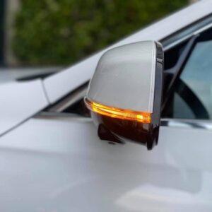 Gương quan sát VinFast Lux SA2.0 tích hợp báo rẽ và camera 360 độ