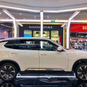 Hông xe VinFast Lux SA2.0 chắc chắn và sang trọng