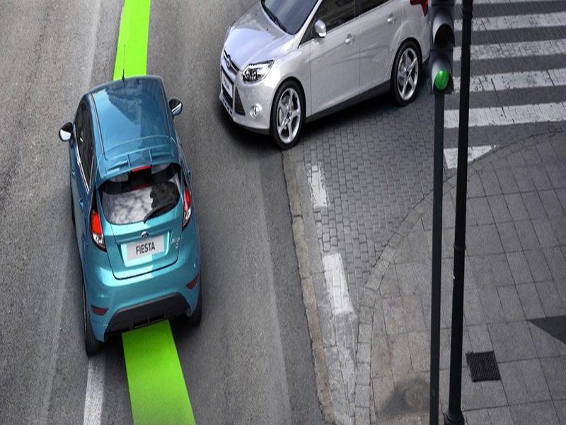 Tại khúc cua hệ thống ESC giúp người điều khiển xe dễ dàng, thuận lợi hơn