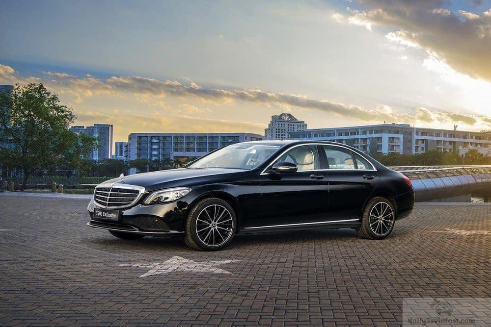 Mercedes C200 bứt phá tốc độ hiệu quả và tiết kiệm nhiên liệu hơn VinFast Lux A2.0