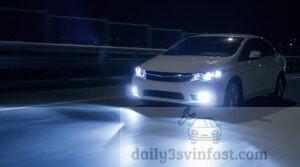 Kiểm tra đèn chiếu sáng của xe