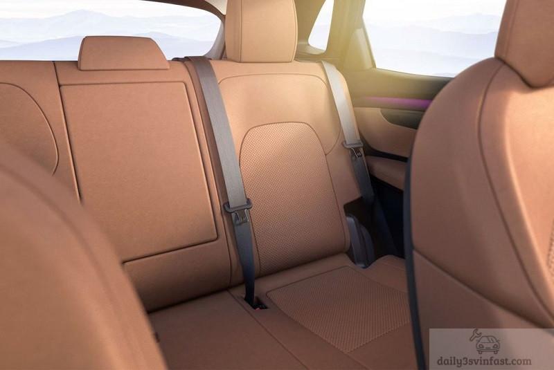 Hàng ghế sau VinFast VF-e35 rộng rãi cho 3 người lớn