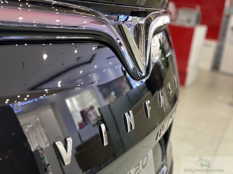 Xe VinFast Lux A2.0 màu nâu