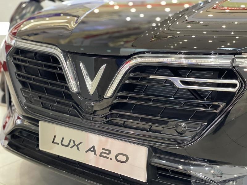 Vinfast Lux A2.0 màu xám 2
