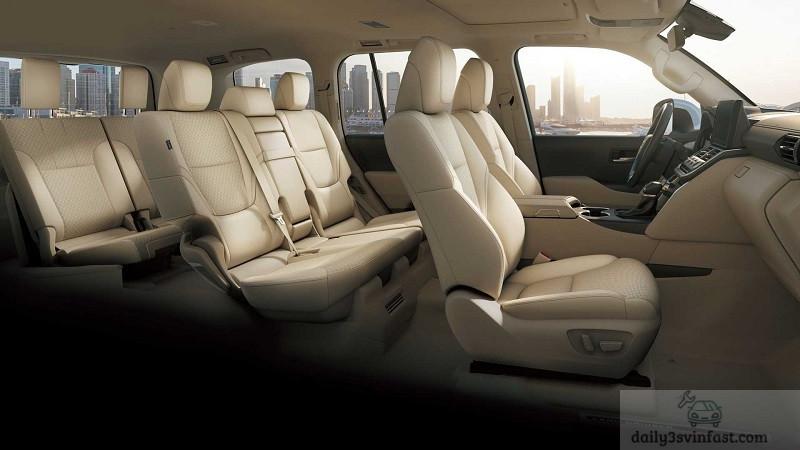 Không gian 7 chỗ ngồi rộng lớn trên Toyota land cruiser 2022