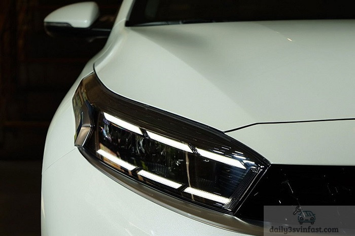 Cụm đèn Lead Kia Cerato 2022