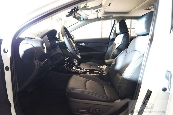 Vị trí ghế lái Kia Cerato 2022