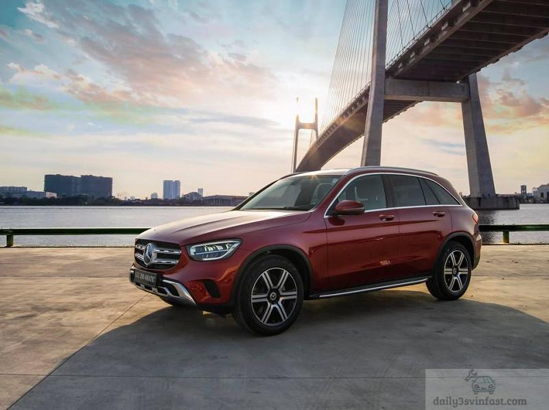 So sánh VinFast Lux SA2.0 và Mercedes GLC200