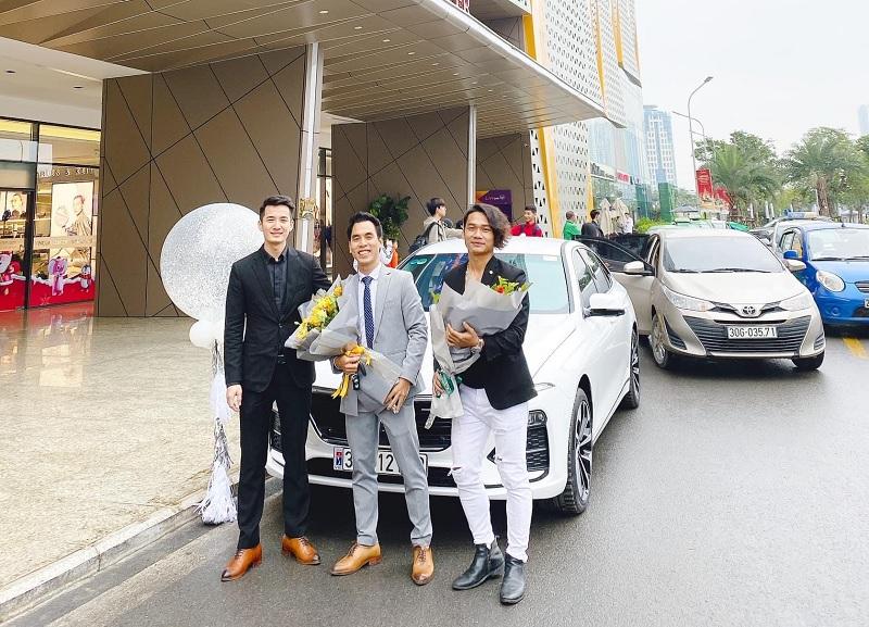 Showroom VinFast Trần Duy Hưng cam kết giá tốt nhất toàn quốc và chính sách hậu mãi chu đáo.